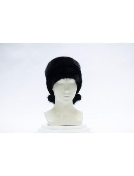 Женская шапка с помпонами из норки