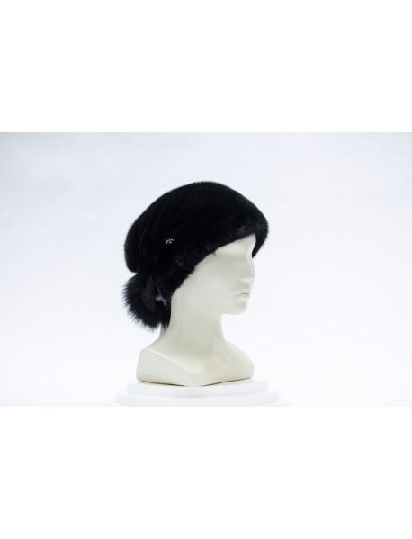 Женская шапка из норки с хвостом