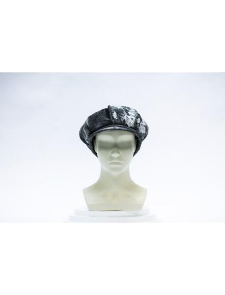 Женская шапка из каракульча